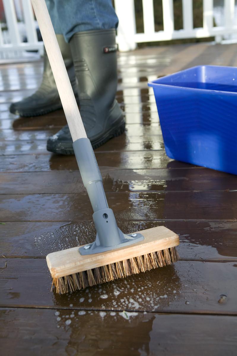 d569677f0 Slik vasker du terrassen | Montér